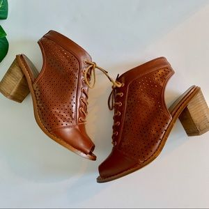 Chinese Laundry Laced Bootie